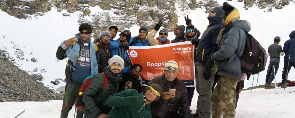 a mysterious roopkund skeleton lake trek to explore roopkund trek batch